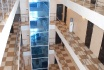 холл, лифт